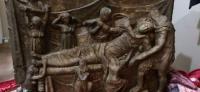 İstanbul'da balina derisine işlenmiş 600 yıllık Tevrat ele geçirildi